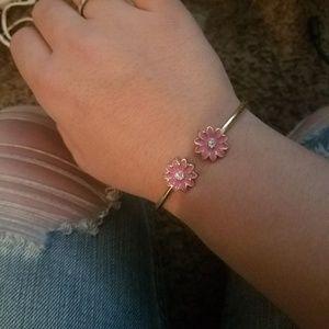 Jewelry - Flower bracelet.